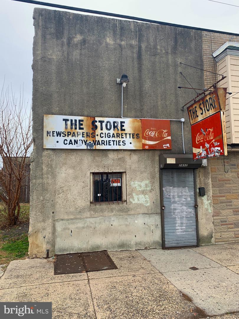 2852 Tasker Street Philadelphia, PA 19145