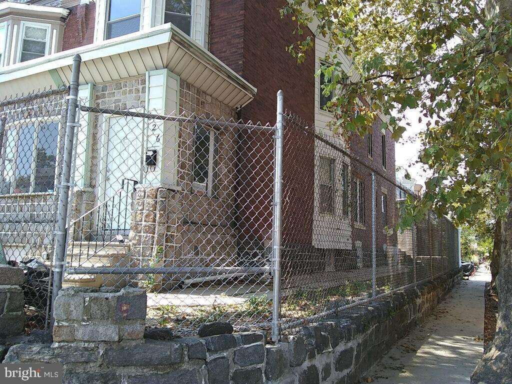 626 S 52nd Street Philadelphia, PA 19143