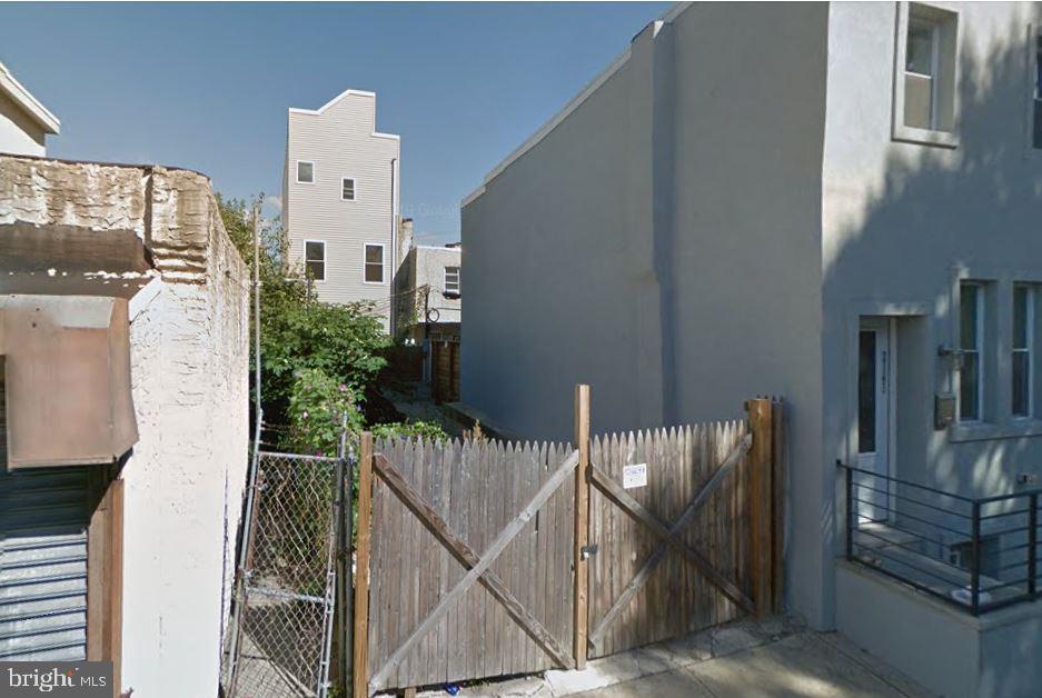 2143 Latona Street Philadelphia, PA 19146