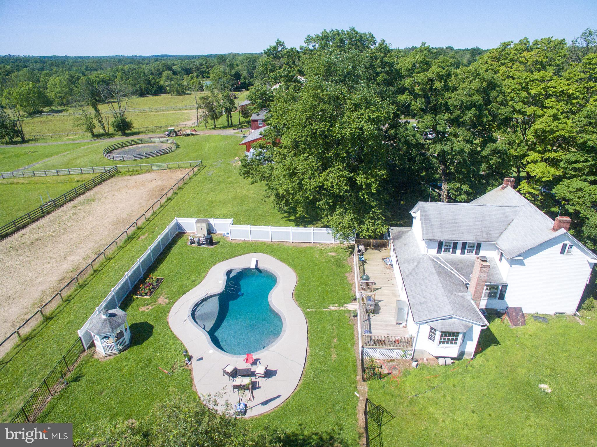 6596 GROVELAND ROAD, PIPERSVILLE, PA 18947