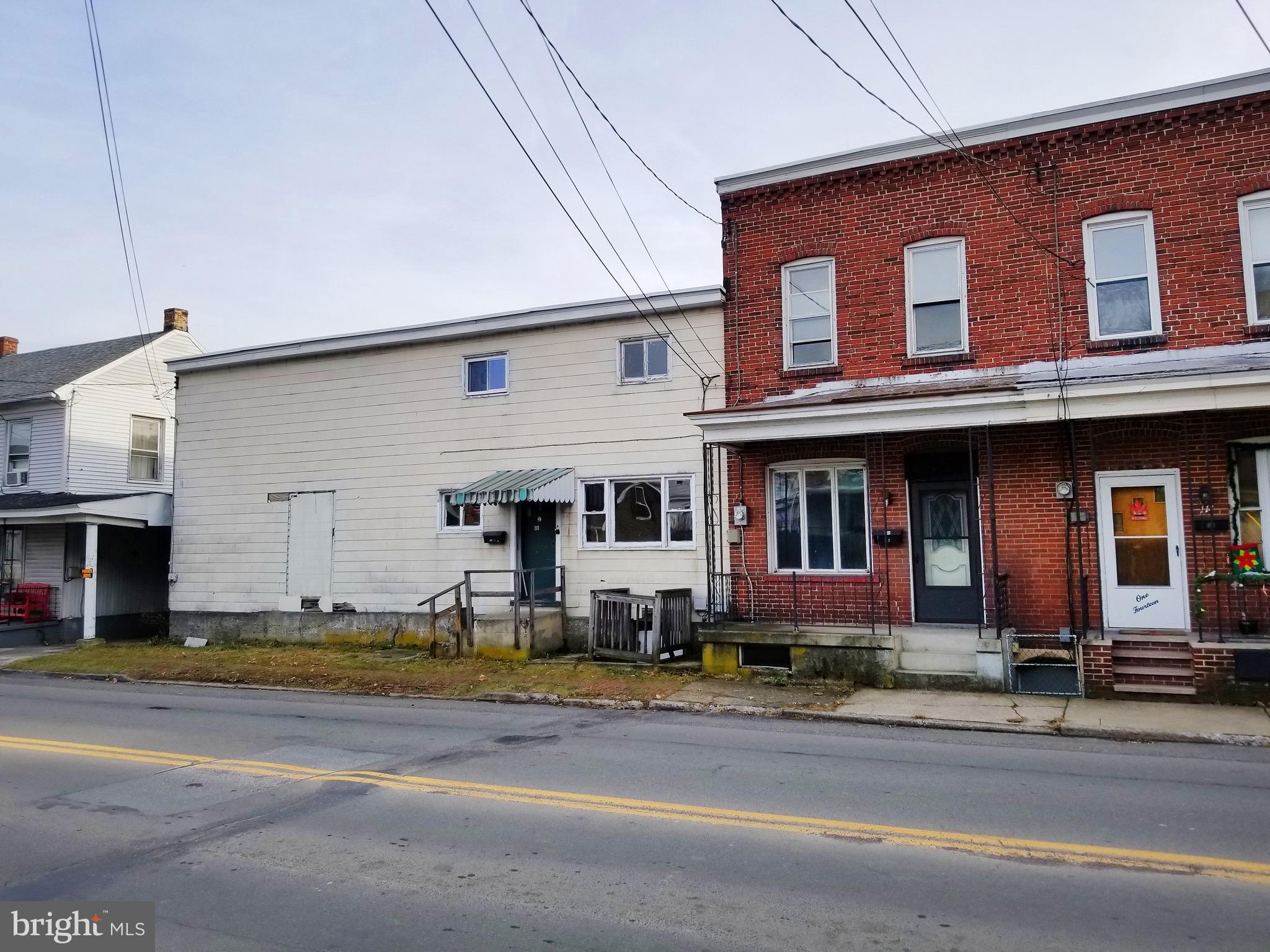 110-112 W HANCOCK STREET, SAINT CLAIR, PA 17970