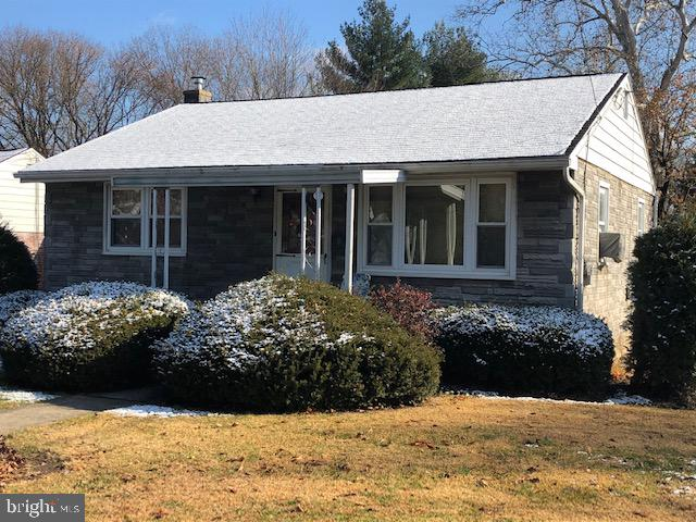 OPEN HOUSE SUNDAY DECEMBER 15th 1-2:30*2 bedroom,2 bathroom Rancher with an over-sized one car garage. Eat in Kitchen, Living room, Partially finished basement Family Room. Newer roof, New chimney and replacement windows. Immediate Occupancy.