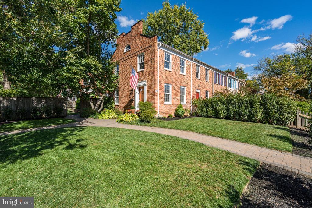 Alexandria Homes for Sale -  City View,  823  CHURCH STREET