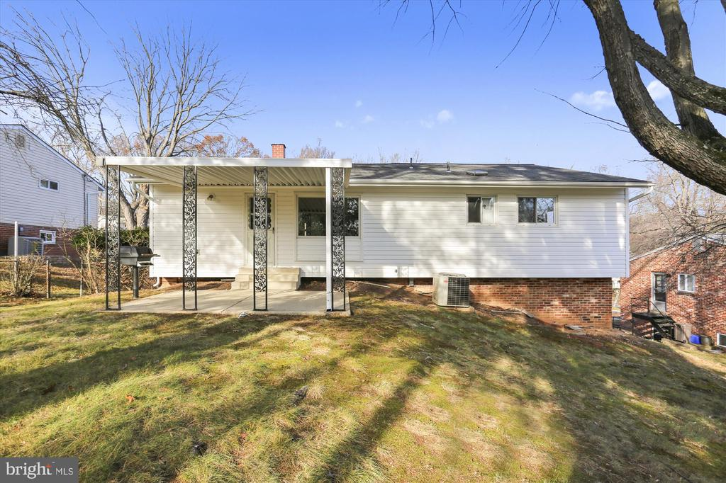 11739 Lovejoy St, Silver Spring, MD 20902