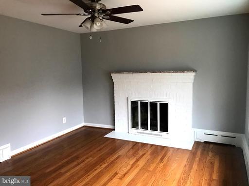 300 E Oak St, Alexandria, VA 22301