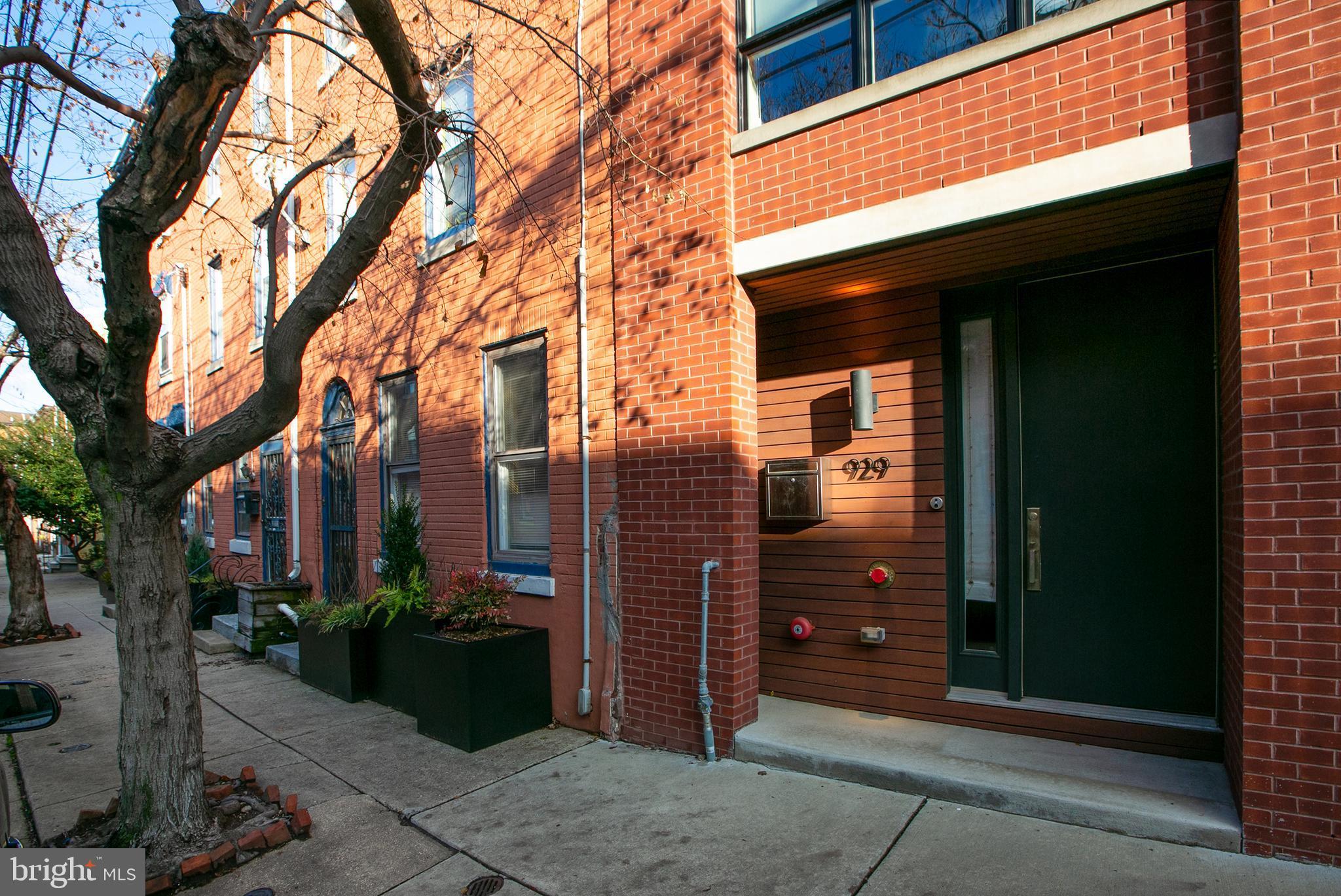 929 Orianna St N, Philadelphia, PA 19123