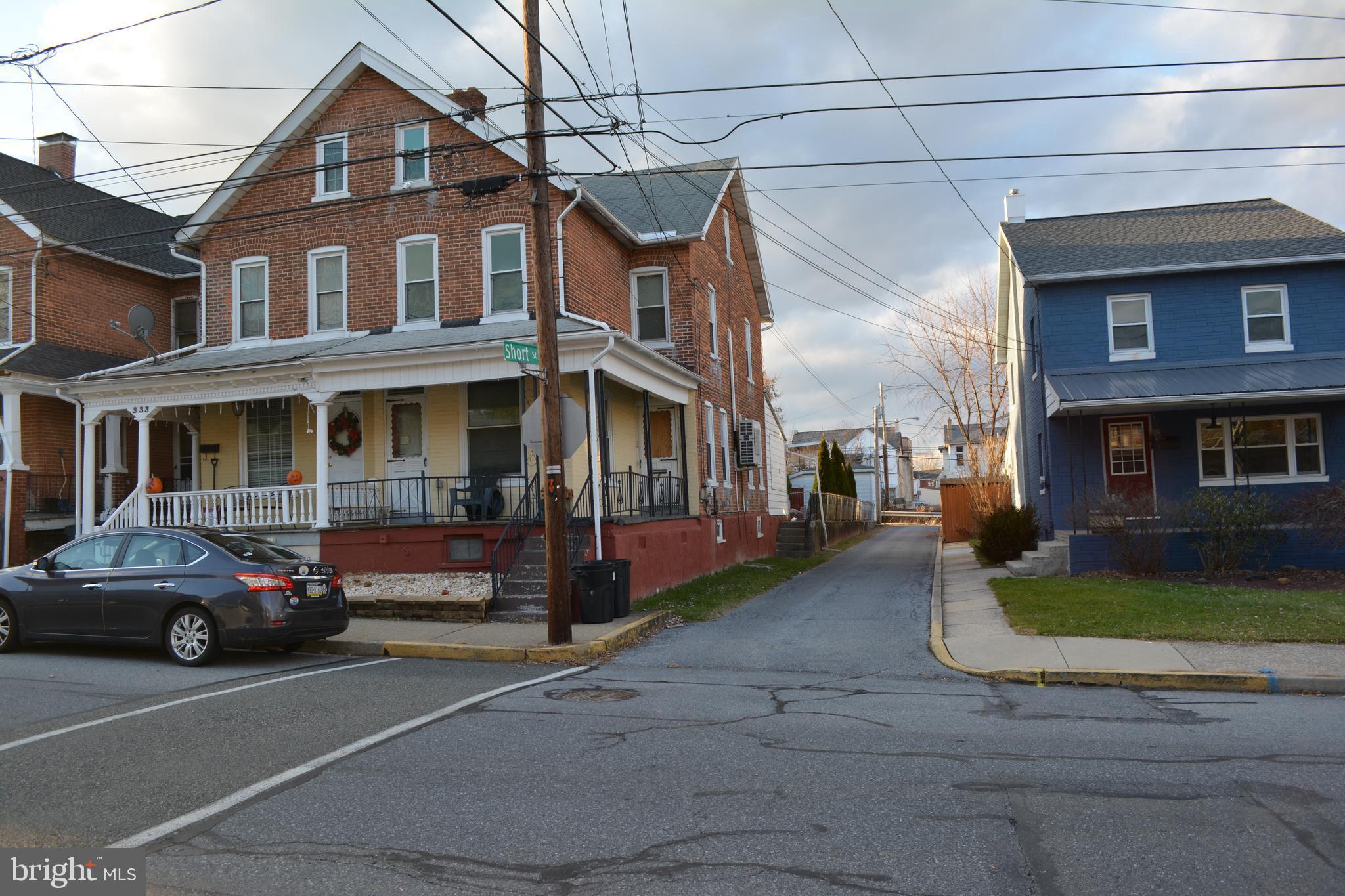 331 BROAD STREET, EMMAUS, PA 18049