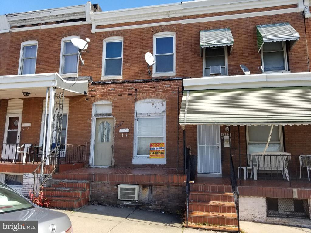 ONLINE AUCTION:  Bidding begins 1/29/20 @ 10:00 am  Bidding ends  1/30/20 @ 3:00 pm. List Price is Suggested Opening Bid.  2 story end unit townhome in the Coppin Heights/Ash-Co-East area.Property is Vacant.10% Buyer's Premium or $1,000 whichever is greater. Deposit $2,000.For full Terms and Conditions visit the auctioneer's website.