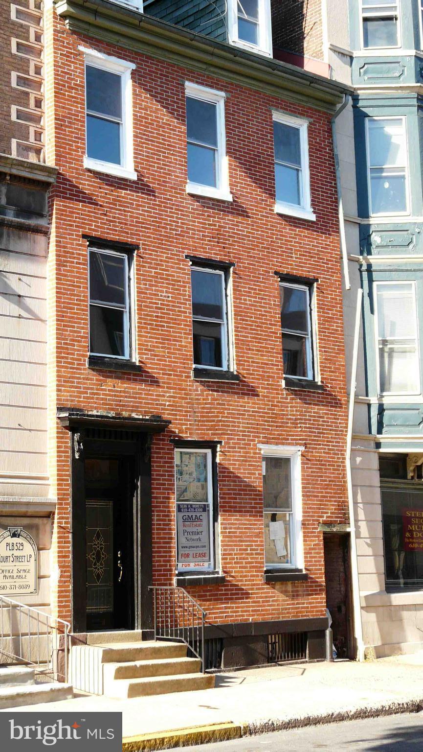 531 COURT STREET, READING, PA 19601