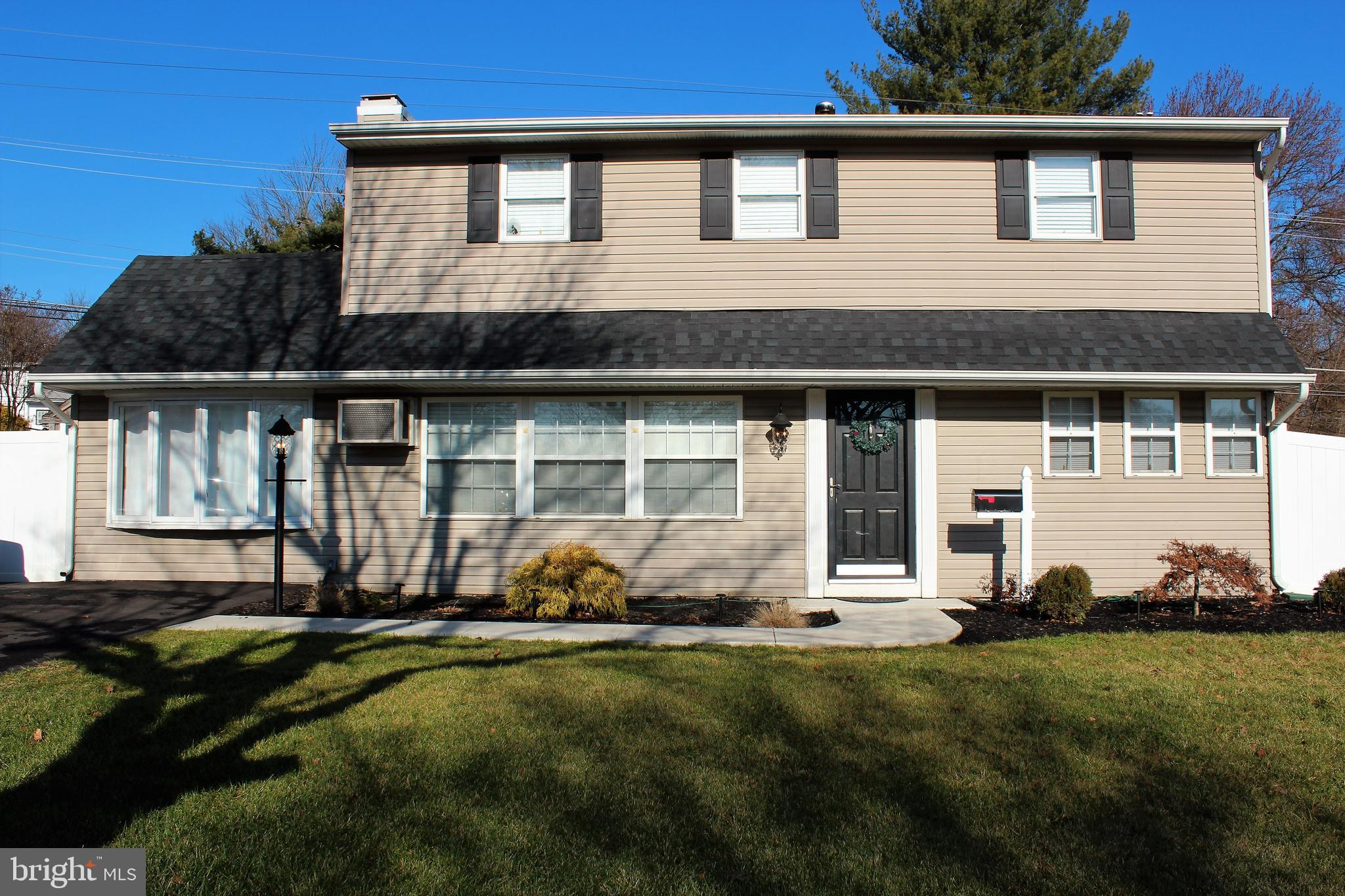 93 UPLAND ROAD, LEVITTOWN, PA 19056