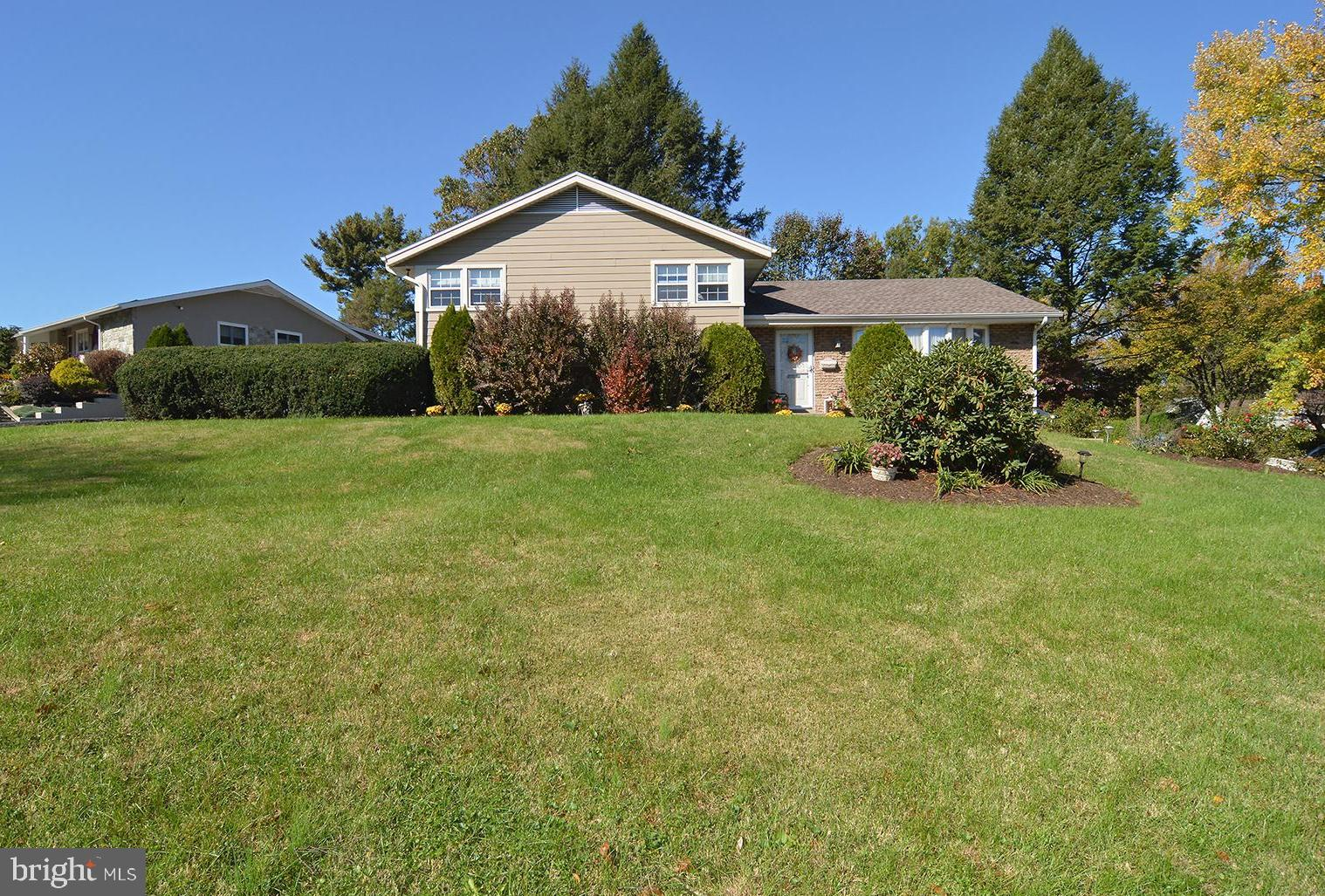 320 S PARK ROAD, READING, PA 19610