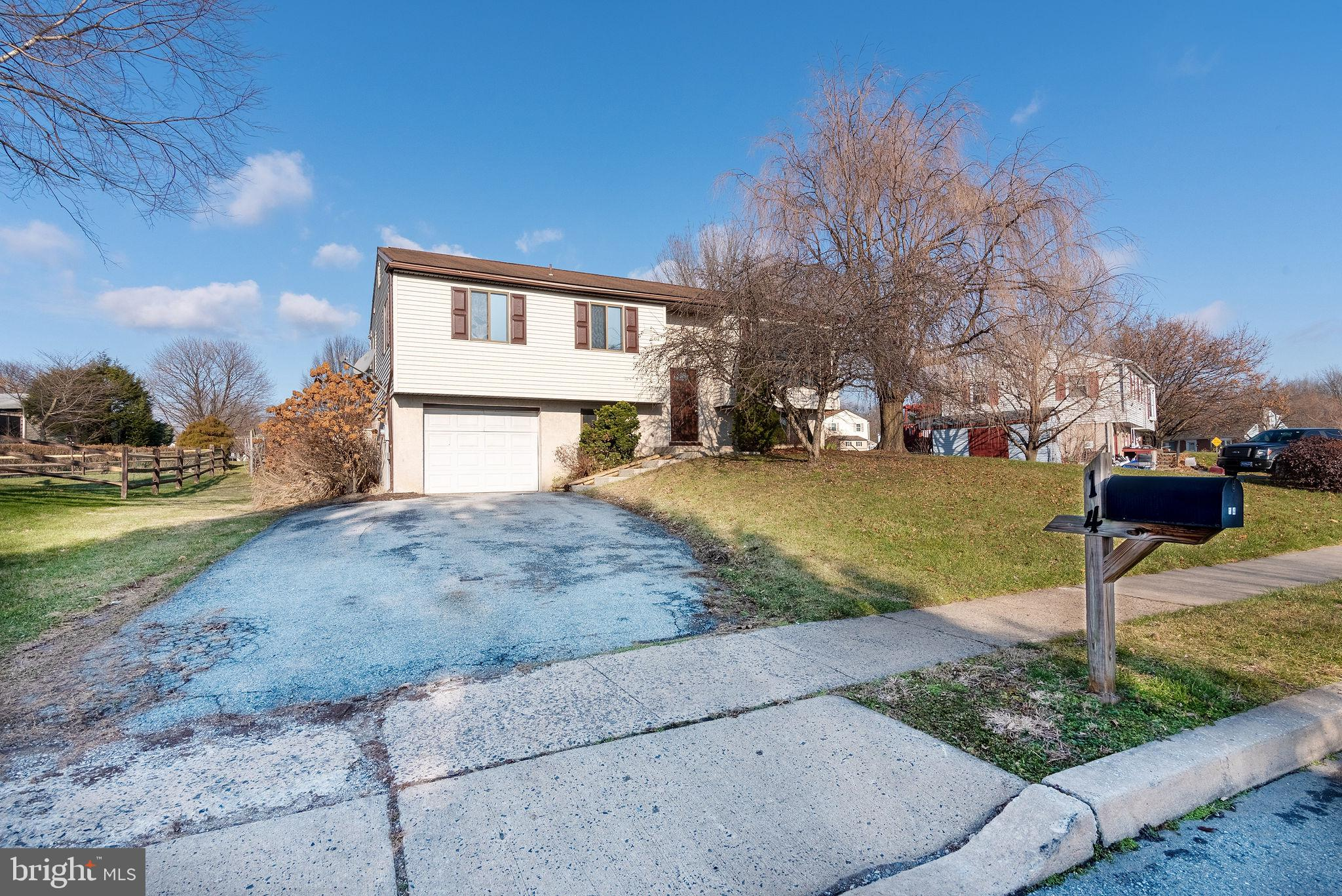 14 CARRIAGE CIRCLE, OLEY, PA 19547
