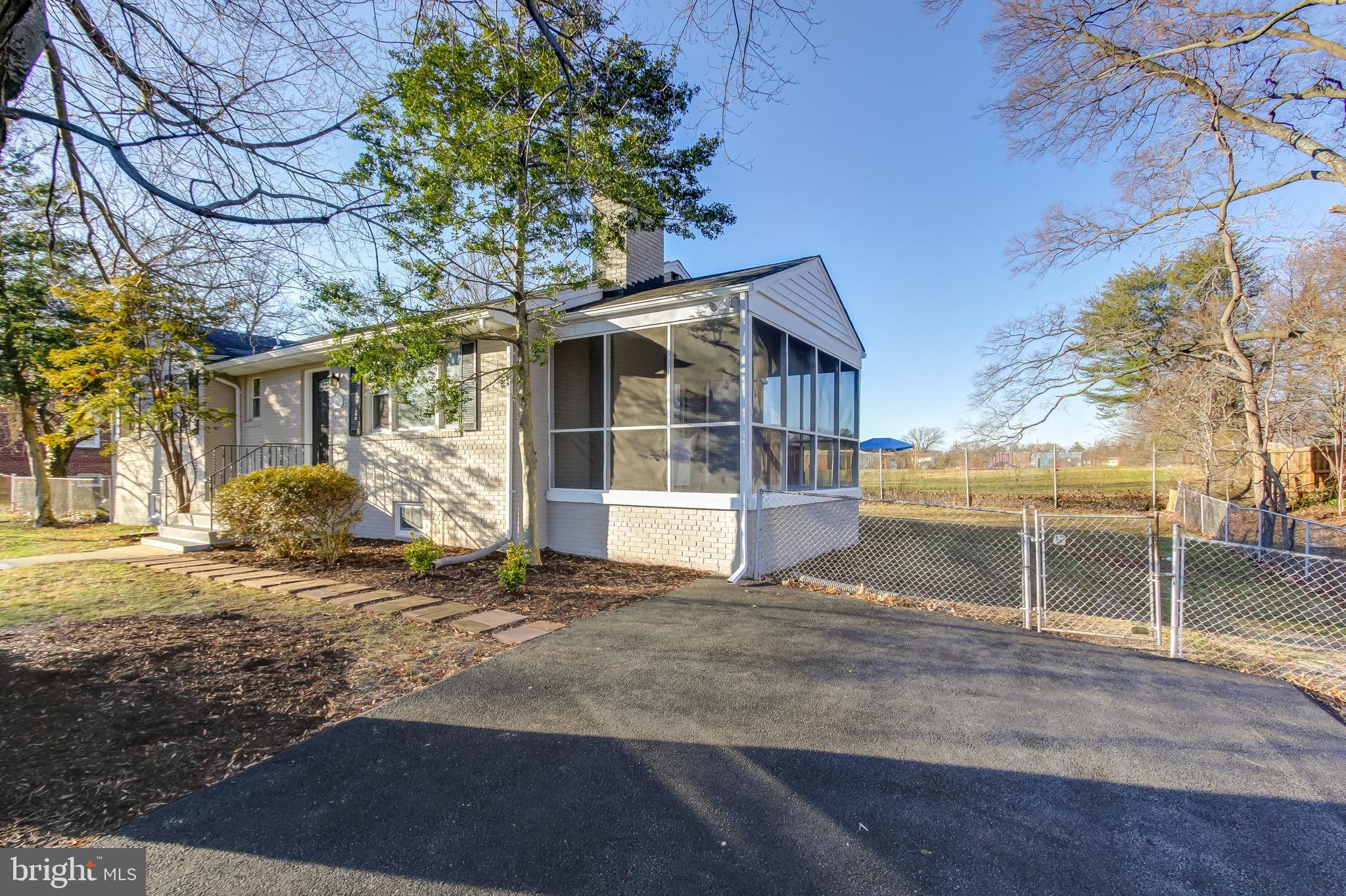 5806 BURGESS ROAD, DISTRICT HEIGHTS, MD 20747