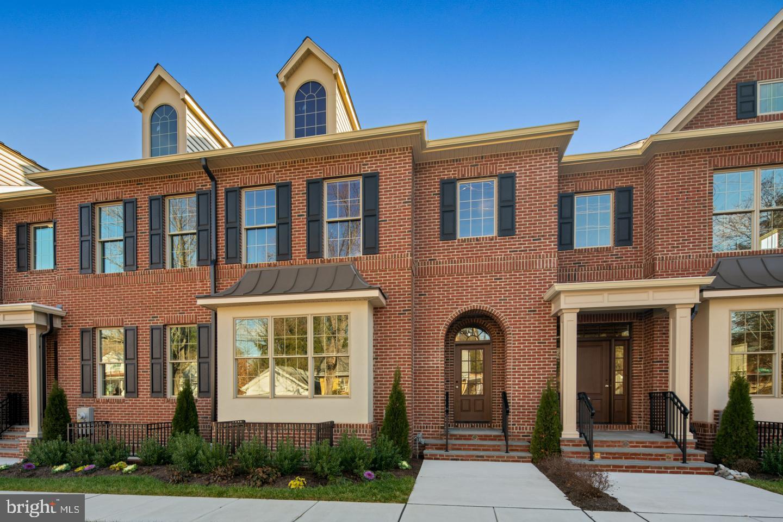 Doylestown                                                                      , PA - $900,000