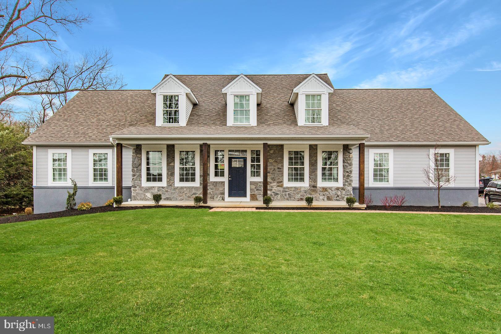 595 SAND HILL ROAD, HERSHEY, PA 17033