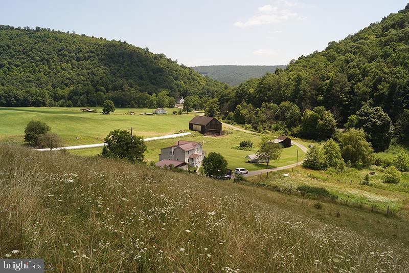1533 S BLACK VALLEY ROAD, CLEARVILLE, PA 15535