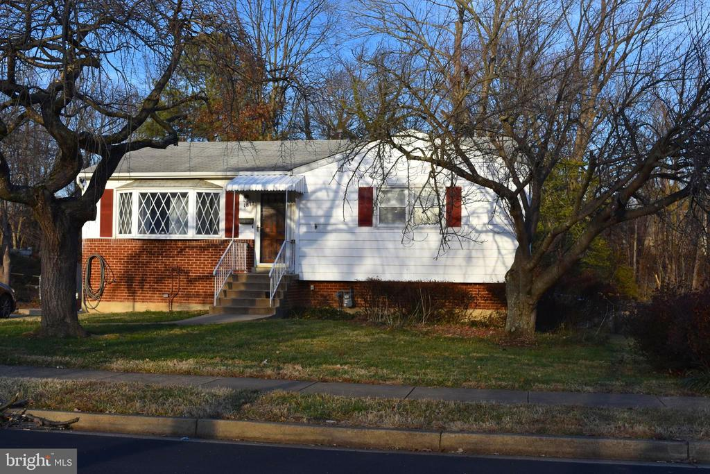 1817 Olney Rd, Falls Church, VA 22043