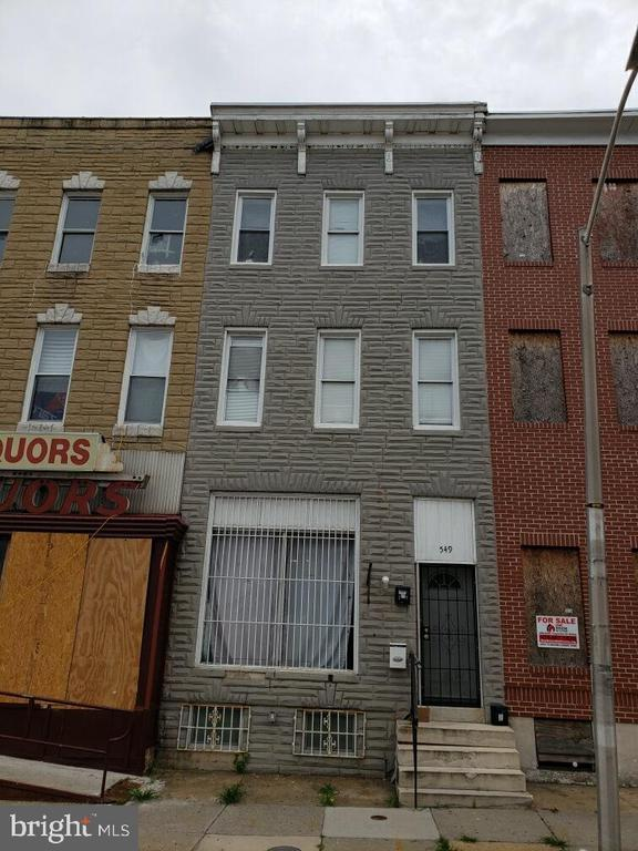 Zoned R08,   Great 3-Unit, 2 currently rented at $1,900/month.  3rd unit potential rent $1,100 for residential or commercial.   Fully renovated.