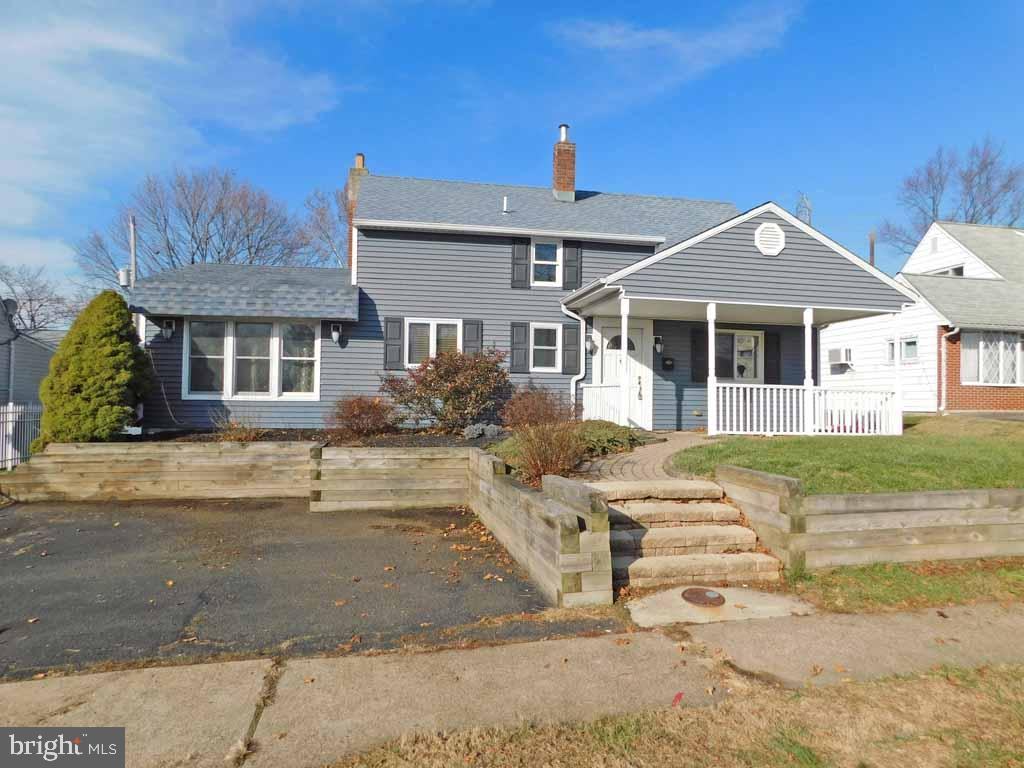 33 INWOOD ROAD, LEVITTOWN, PA 19057