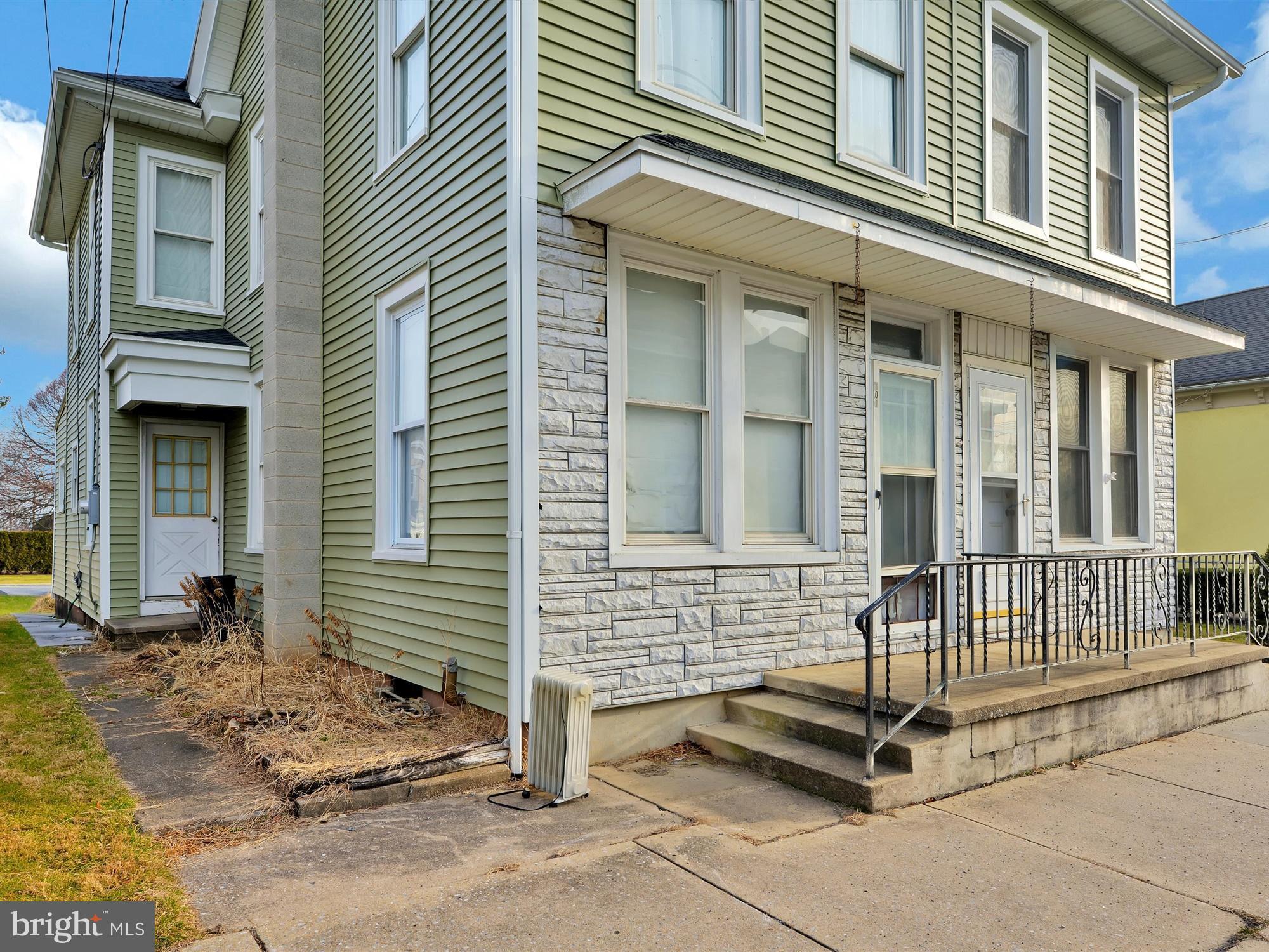 107 E MAIN STREET, RICHLAND, PA 17087