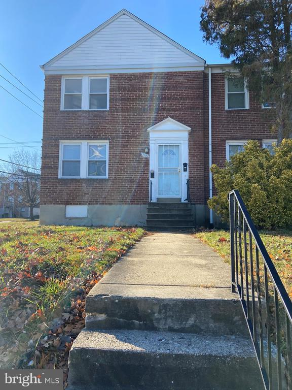 This wonderful and cozy 1 bedroom apartment is close to belvedere square, public transportation and local colleges (Morgan, Notre Dame, and Loyola). This property has  hardwood floors , updated kitchen and bathroom with (shared) washer and dryer in the basement.  Vouchers welcomed with minimum 600 credit score. 2 units available