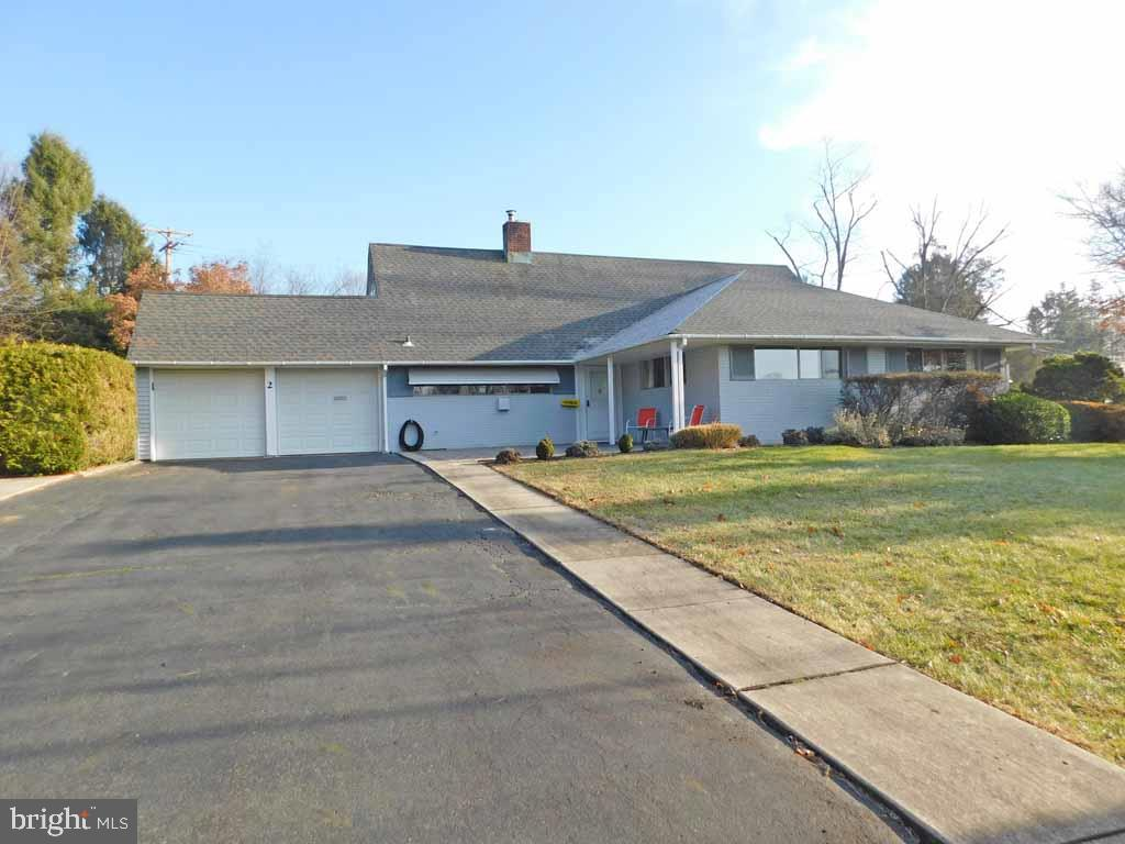 2 FALCON ROAD, LEVITTOWN, PA 19056