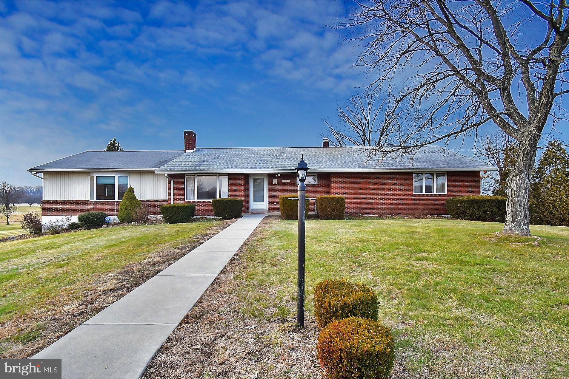 2215 COUNTY LINE ROAD, EAST GREENVILLE, PA 18041