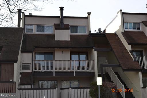 3907 El Soneta Pl #11, Alexandria, VA 22309