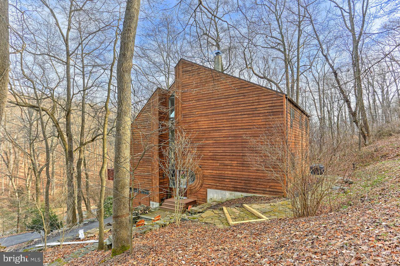 690 KENDALE ROAD, RED LION, PA 17356