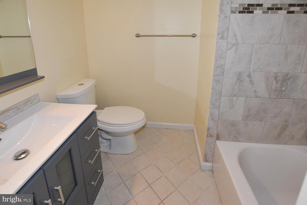 Photo of 7907 Forest Path Way