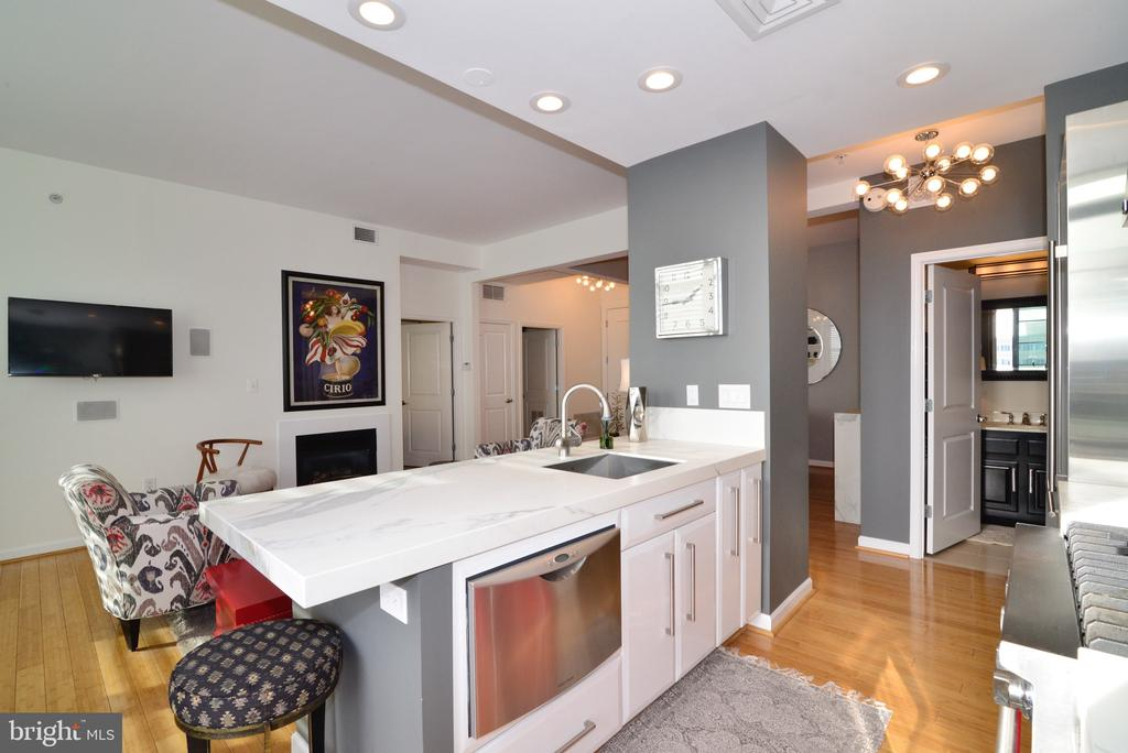 Photo of 1830 Fountain Dr #1404