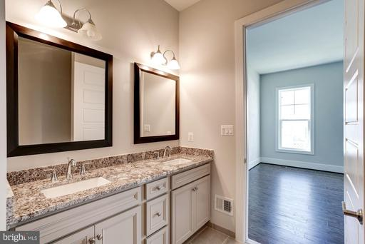 23695 Cypress Glen Sq Ashburn VA 20148