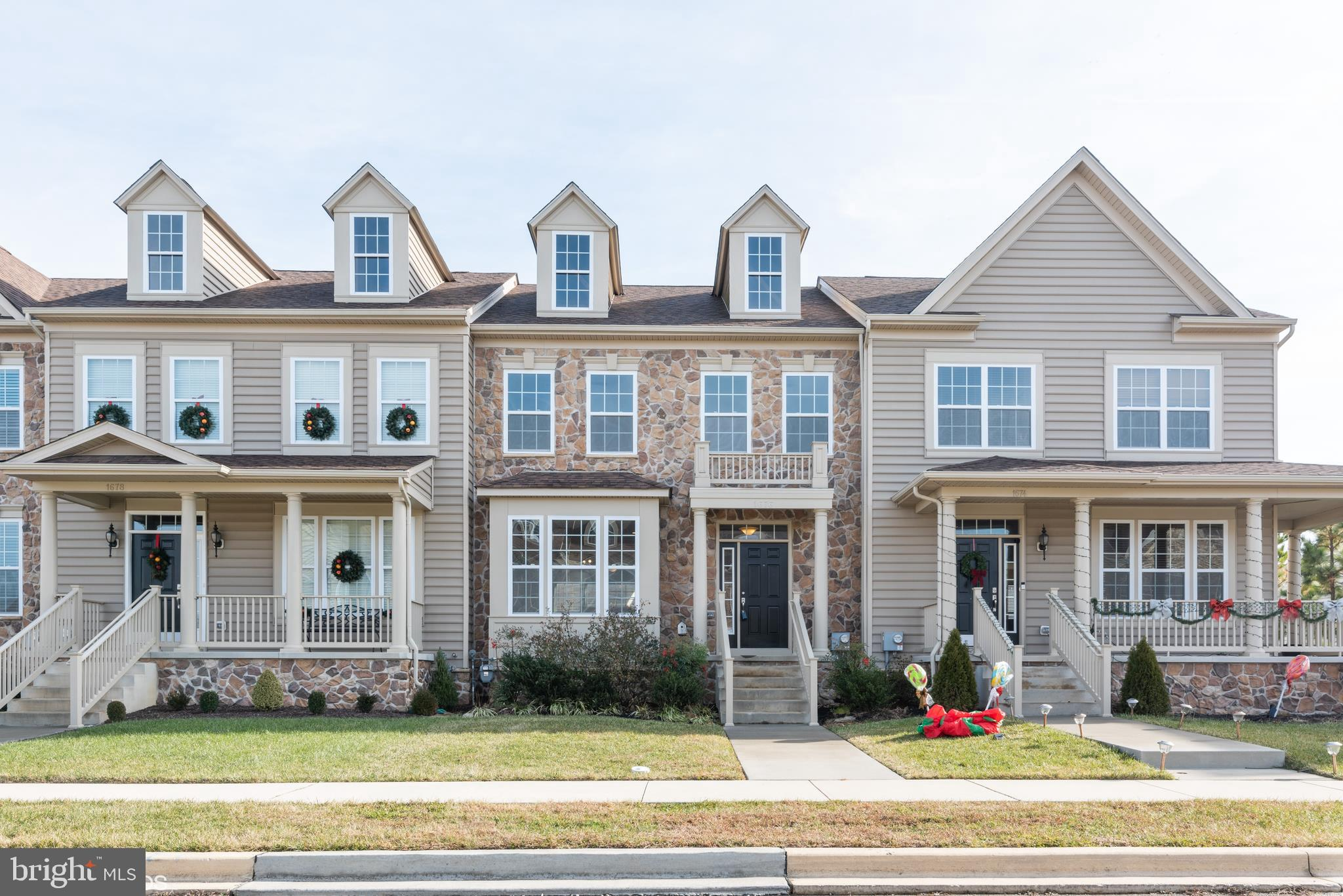 "Welcome to the in-demand community of Bayberry North!  This is a thoughtfully planned community with walking paths, common activity spaces, pet parks, sidewalks, street lights, rear alleys for garage loading -- an old world community not often found in Delaware.  Inviting front porch greets you and says ""come on in"".  Fresh paint in an appealing tone throughout is sure to please.  Soaring volume ceilings and rich dark hardwood floors grace the open concept floor plan.  Spacious great room provides versatile living arrangements and is wide open to dining space and kitchen.  Super kitchen features large center island and appealing white shaker cabinetry with cool granite counters complimented by stainless steel appliances.  Upstairs you will find a generous owner's suite with loads of windows,  spacious walk in closet and its own bathroom.  Remaining two bedrooms are well scaled with good closet space and share the hall bathroom.  All bedrooms have  new carpeting and padding to make this move-in ready! Centrally located 2nd floor laundry makes life a breeze.  Don't miss out on this fine opportunity to make the Village of Bayberry North your home.  Maintenance Association Fees in the amount of $480.00 annually.  Seller requires that offers be submitted on the HomePath website."
