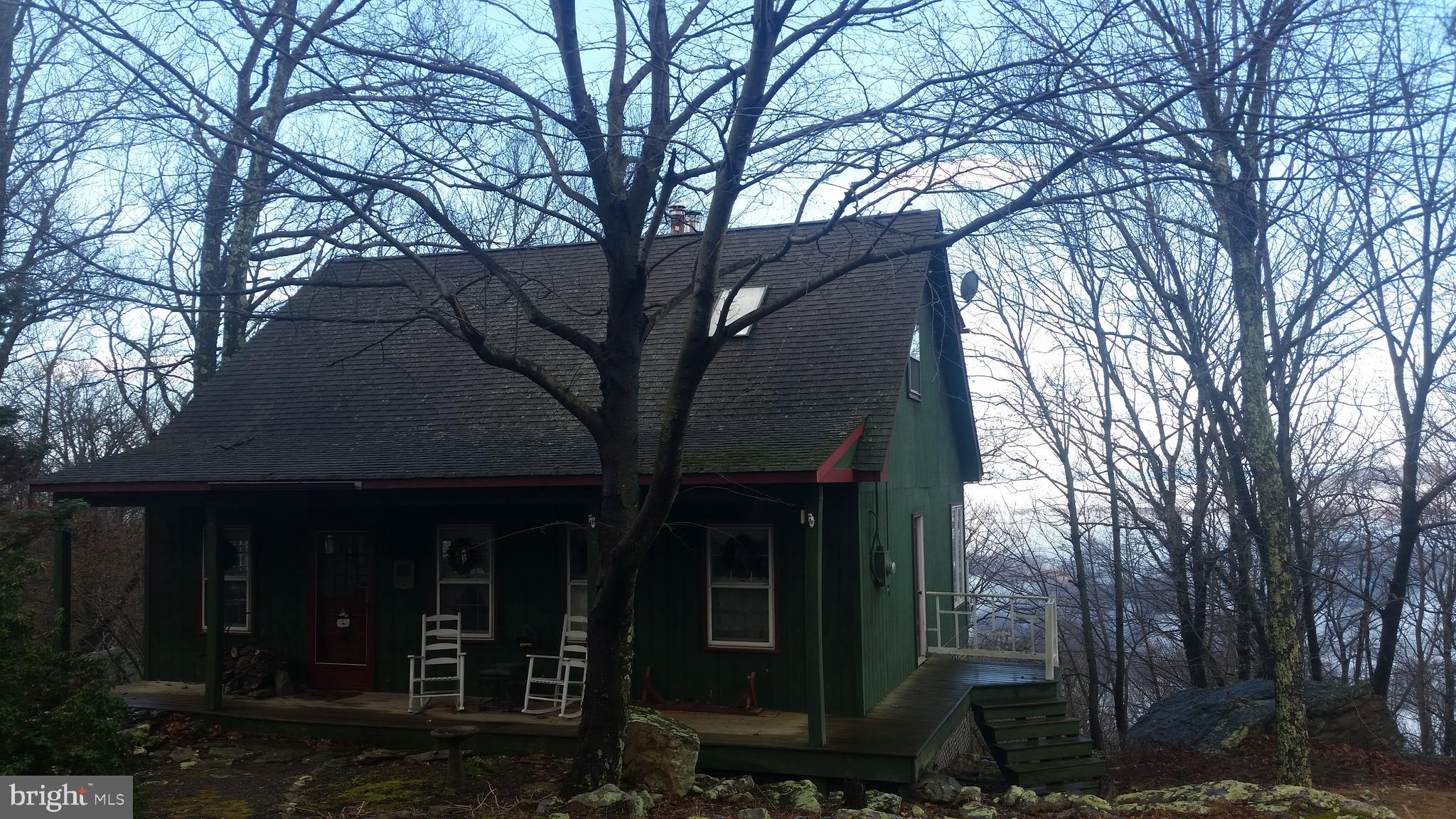 6 FIRE TOWER RD, GREAT CACAPON, WV 25422