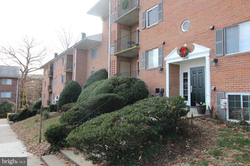 1541 Colonial Dr #102