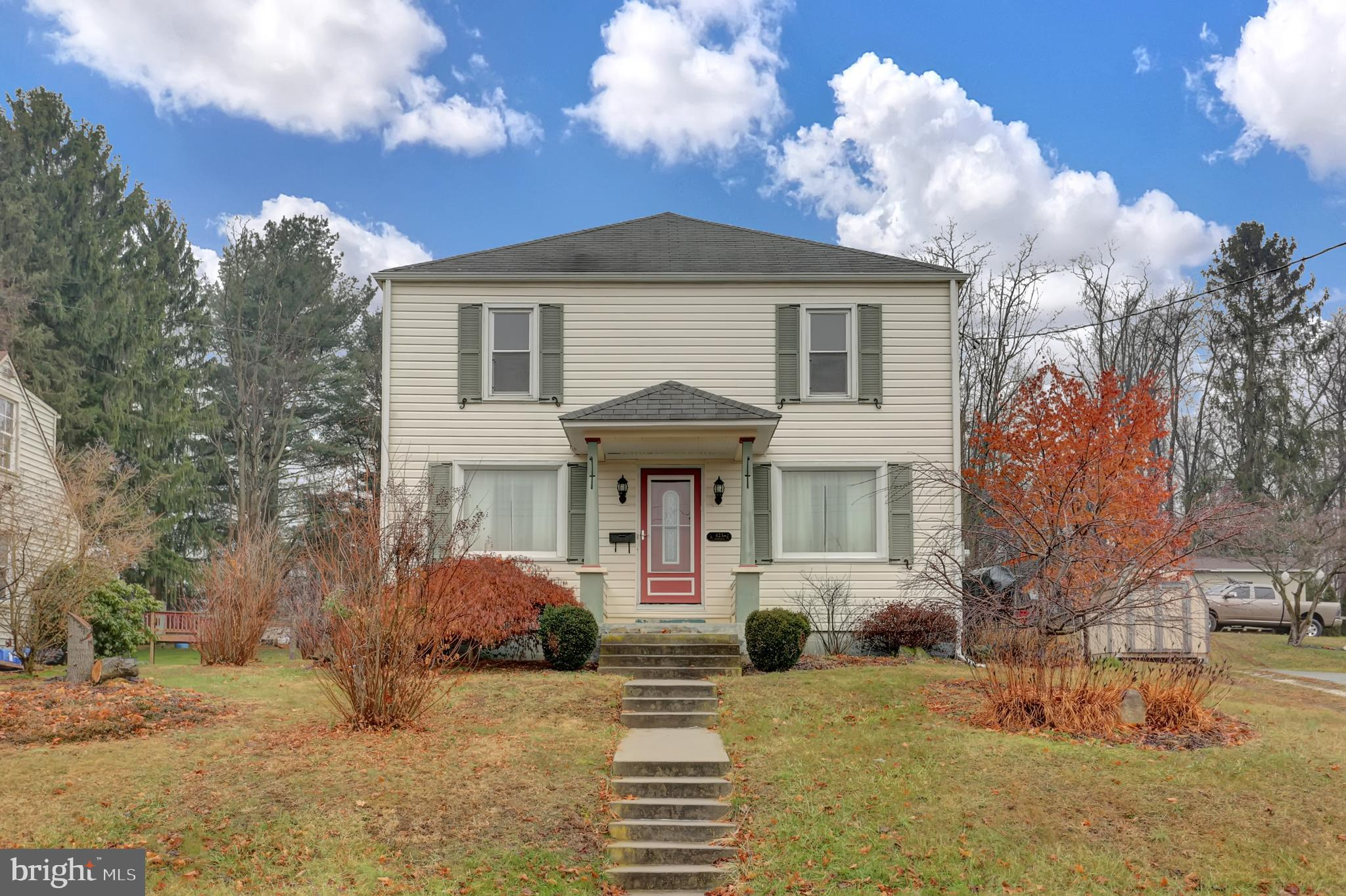 423 N WALNUT STREET, MOUNT HOLLY SPRINGS, PA 17065