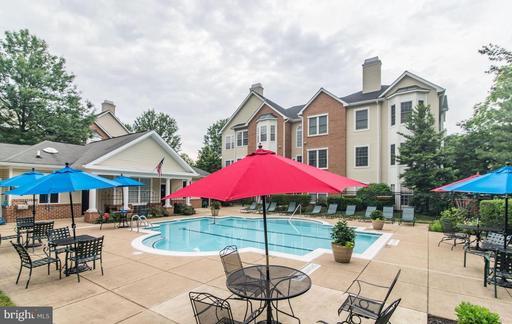 4135 Fountainside Ln #C302, Fairfax 22030