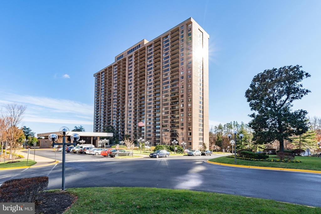 Photo of 3705 S George Mason Dr #1506s