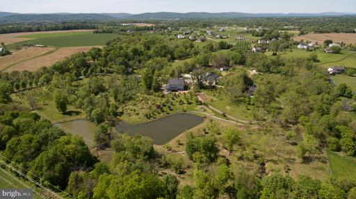 Property for sale at 16960 Ivandale Rd, Hamilton,  Virginia 20158