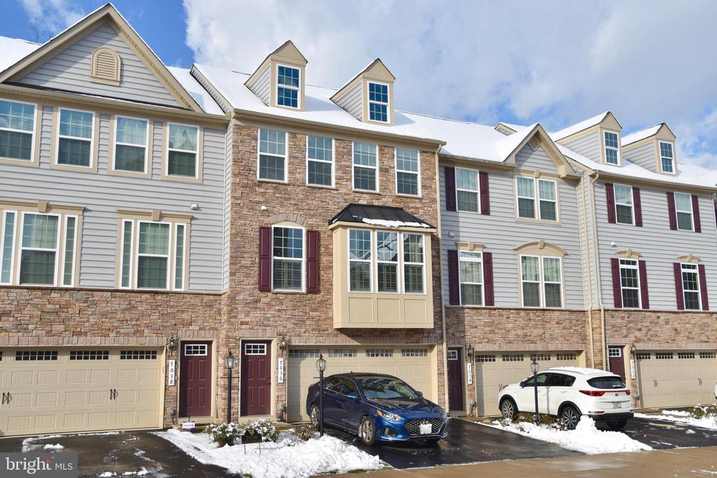 7036 Darbey Knoll Dr, Gainesville, VA 20155