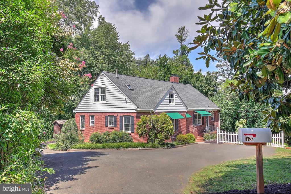 1726 Dairy Road, Charlottesville, VA 22903
