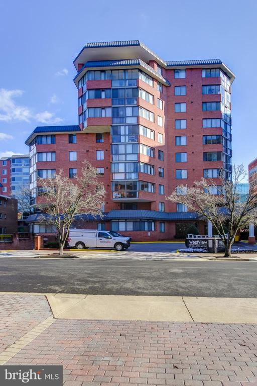 Photo of 1001 N Vermont St #705