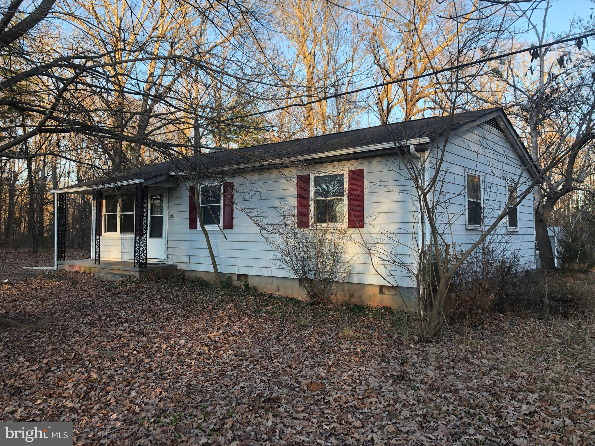 4039 SHANNON HILL ROAD, COLUMBIA, VA 23038