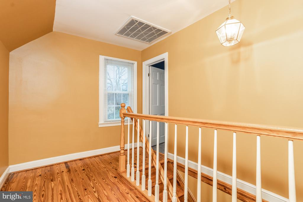 Photo of 5815 Queens Gate Ct
