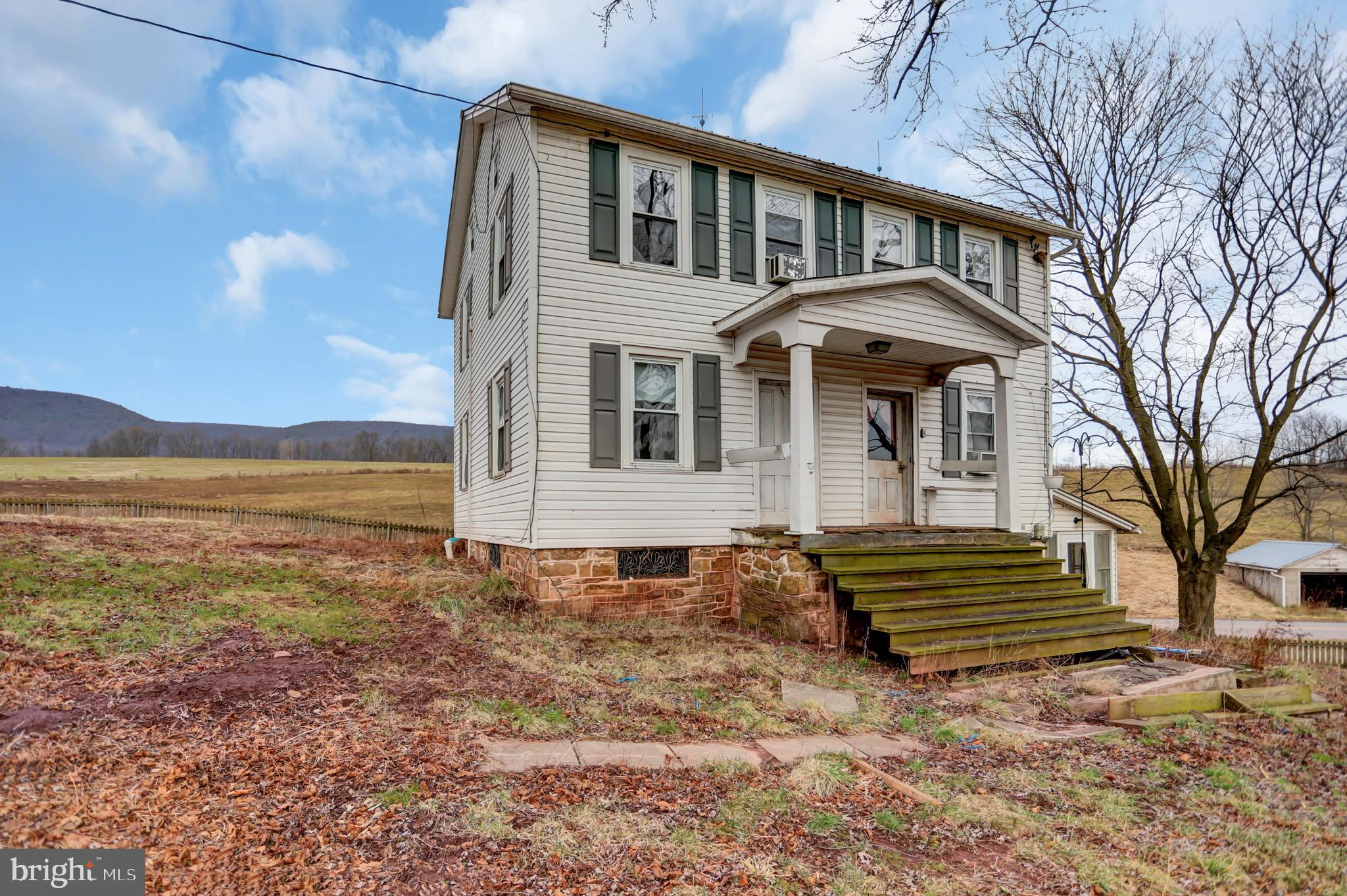 1824 RED BANK ROAD, MC ALISTERVILLE, PA 17049