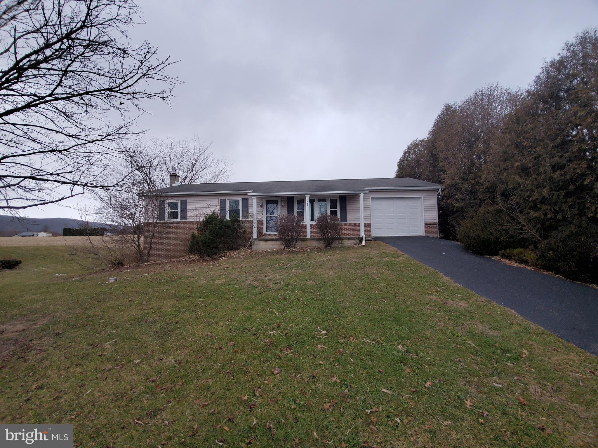 140 MOUNTAIN VIEW ROAD, ELIZABETHVILLE, PA 17023