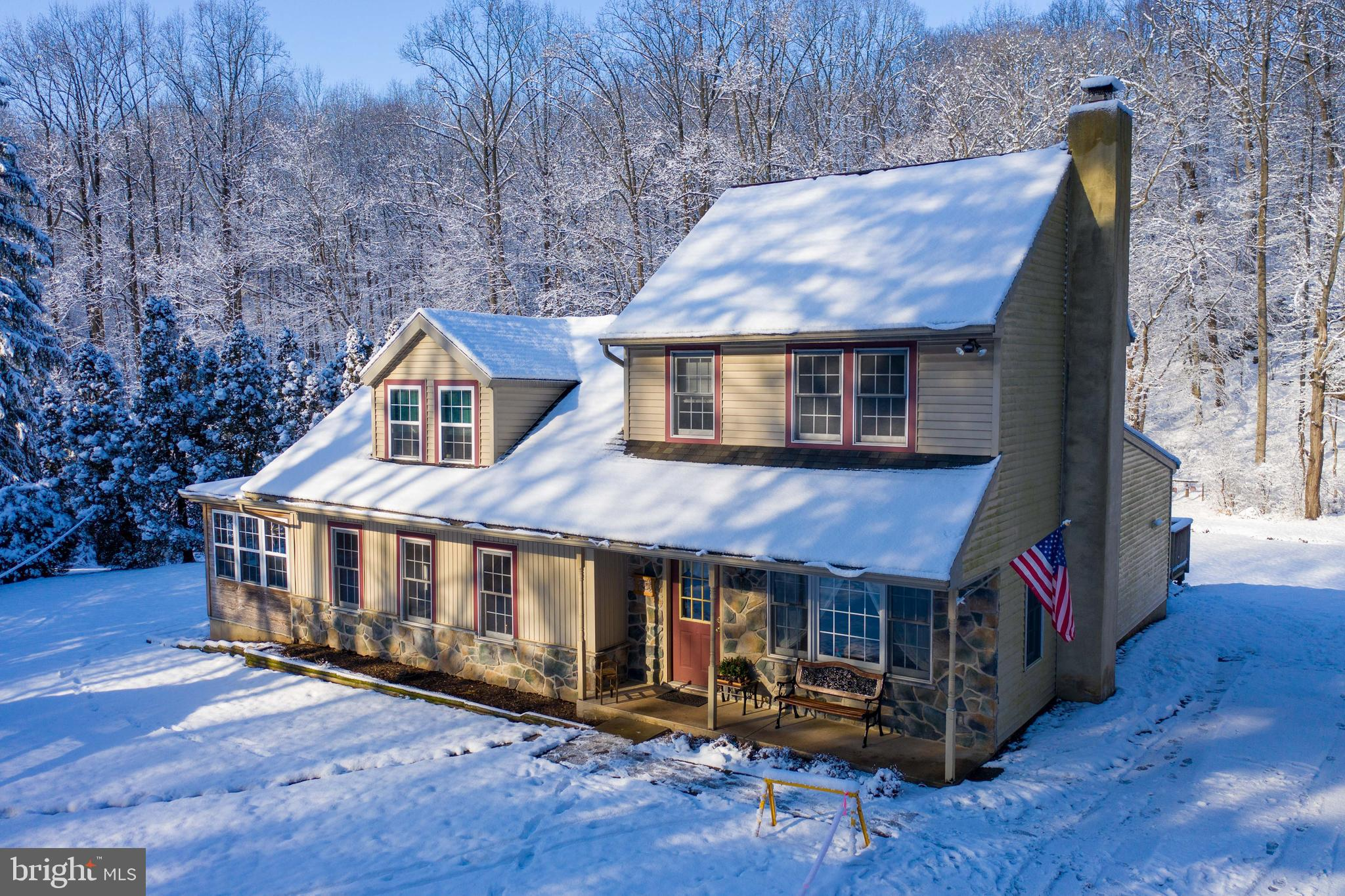 111 FOX ROAD, NEWMANSTOWN, PA 17073