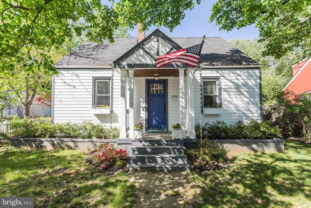 OPEN SUNDAY 1/19 - 2-4pm .  Beautifully renovated (2018) Cape Cod in Eastport! 3 bedrooms, 2 baths and 2,187 total square feet on corner lot. Stunning makeover with sophisticated finishes. Open concept floor plan, reclaimed wood flooring throughout. Kitchen Aid black stainless appliances, granite countertops, vented range hood, 10 x 5 custom island with soapstone top and wine fridge seats 6 or more guests. Custom features include: new lighting throughout, built ins, baths, fireplace mantle, floor plan, landscaping and more. New french doors in kitchen/family room, new main level bath, new master bath and finished bedroom, new paint inside and out, upgraded electric panel, new deck and flagstone patio.  Fenced yard. 1.5 miles to downtown Annapolis restaurants, City Dock, shopping. Less than a mile to Eastport pubs, restaurants and yacht club.