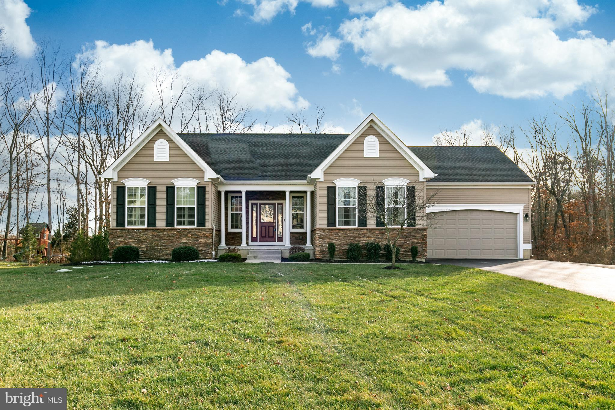 125 WHITE TAIL PASS, FRANKLINVILLE, NJ 08322
