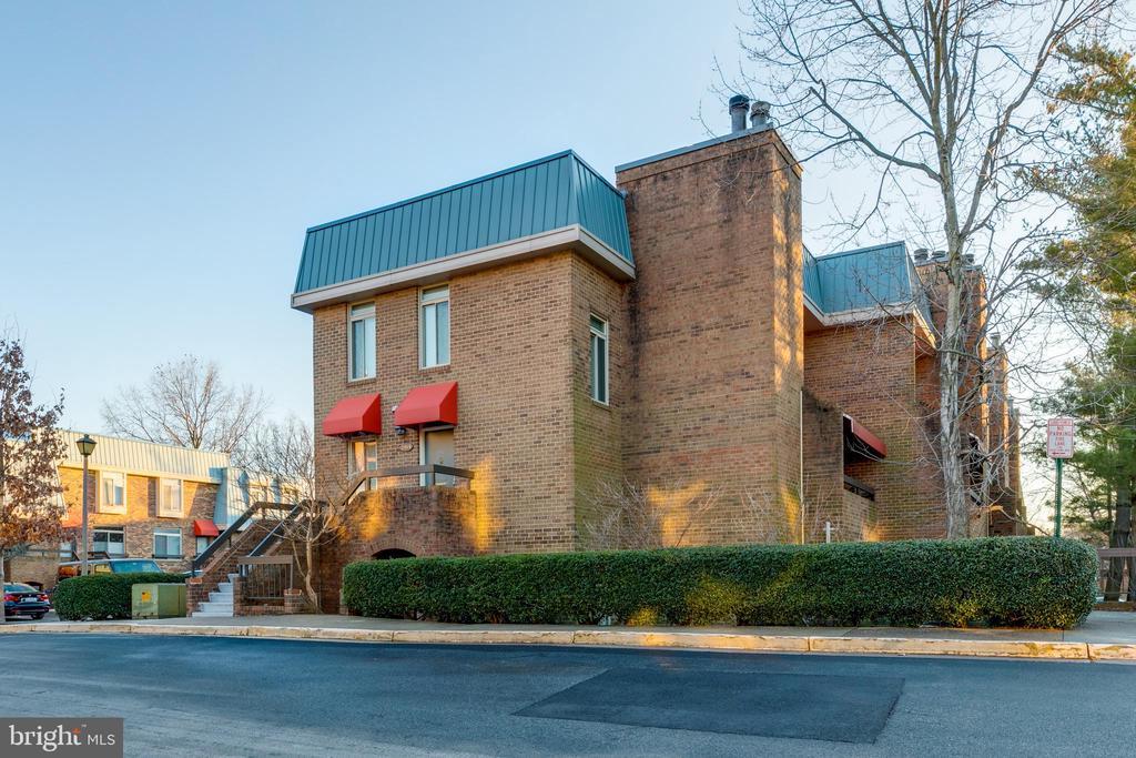 1721 S Hayes St #1, Arlington, VA 22202
